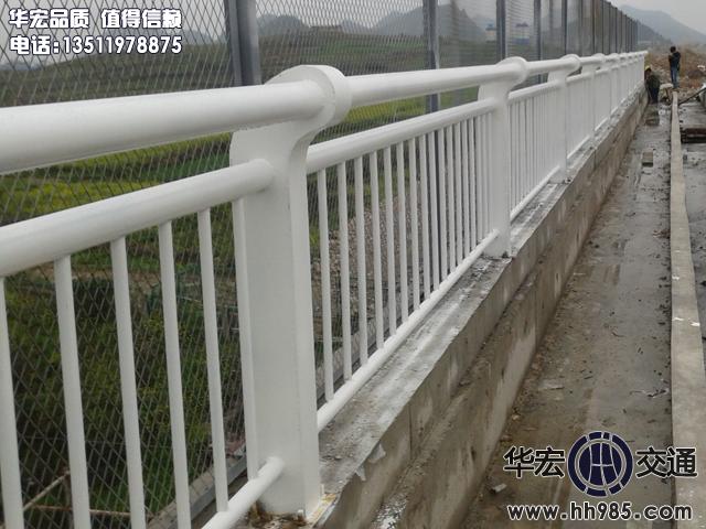 白色景观桥梁人行万博官网ManbetX登陆APP平台