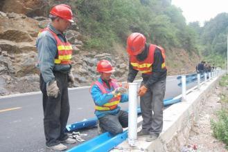 贵州农村公路波形万博手机网页版客户端施工